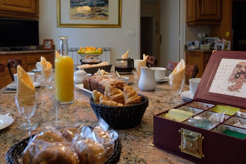 breakfast of guest rooms - character gites with swimming pool and charming bed and breakfasts near Carcassonne