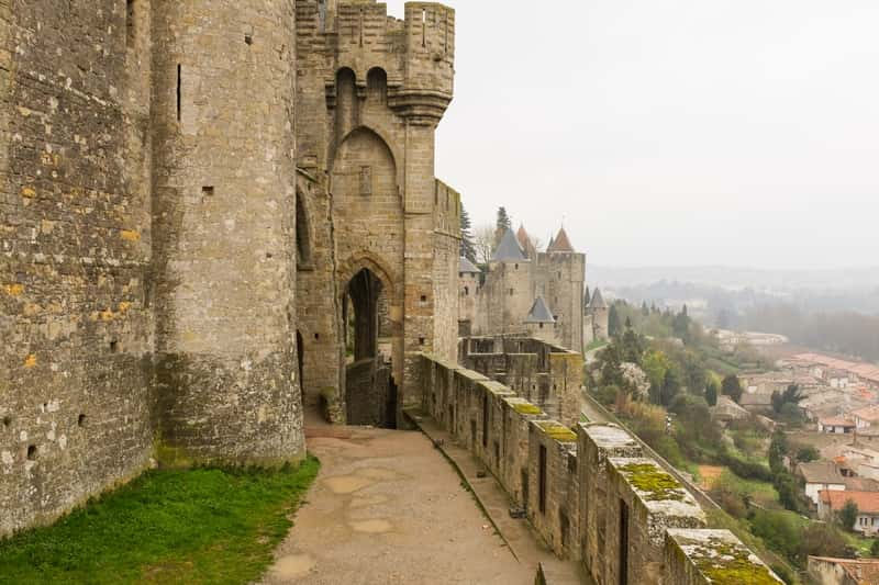 photo 3 cite de carcassonne - character gites with swimming pool and charming bed and breakfasts near Carcassonne