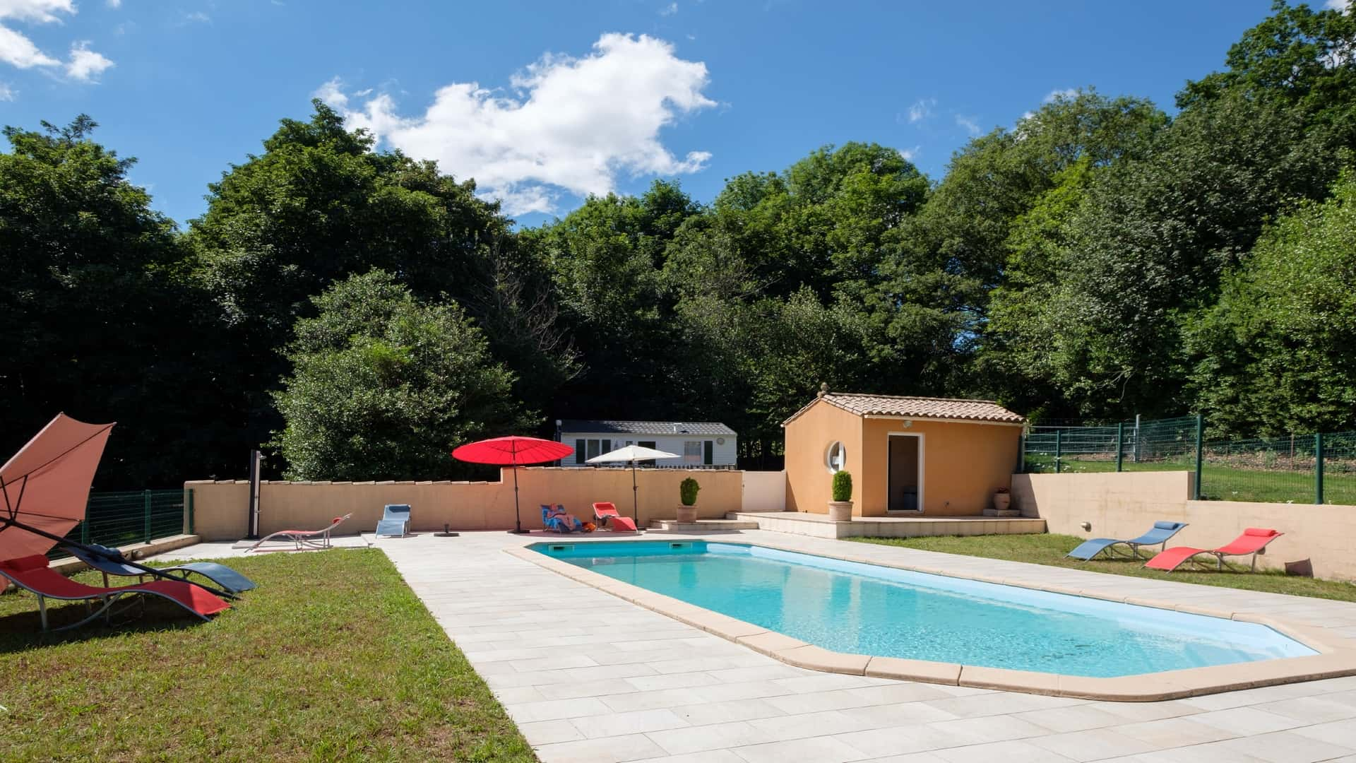 swimming pool domaine de malouziès - character gites with swimming pool and charming bed and brekfasts near Carcassonne